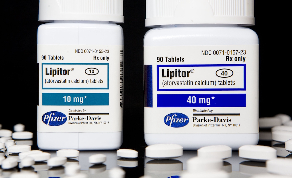 Lipitor tablet bottles
